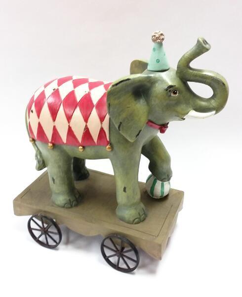 Elefant auf Rädern