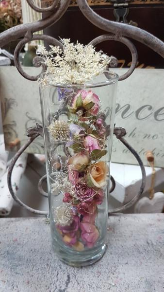 Blütenstrudel im Glas