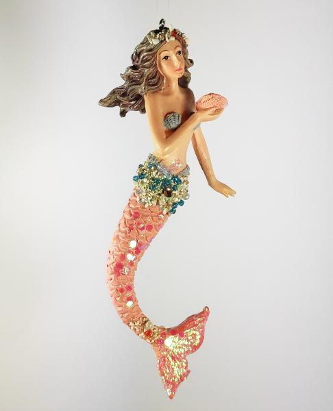 Meerjungfrau mit Muschel und Perle